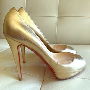 565d3f7399 Christian Louboutin Shoes - Christian Louboutin Very Prive 120 Pumps Gold 9